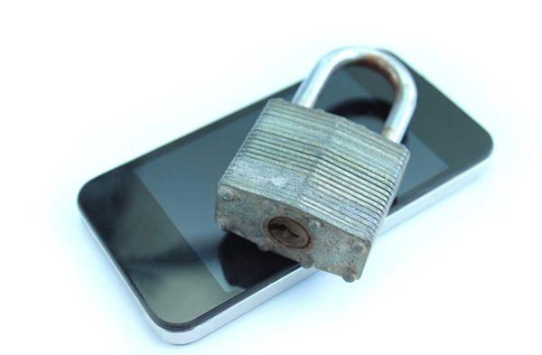 Mobile device security sacrificed for productivity, study says