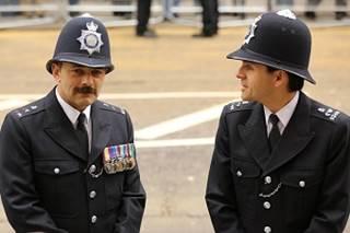 policemeninformaluniform8_1032254
